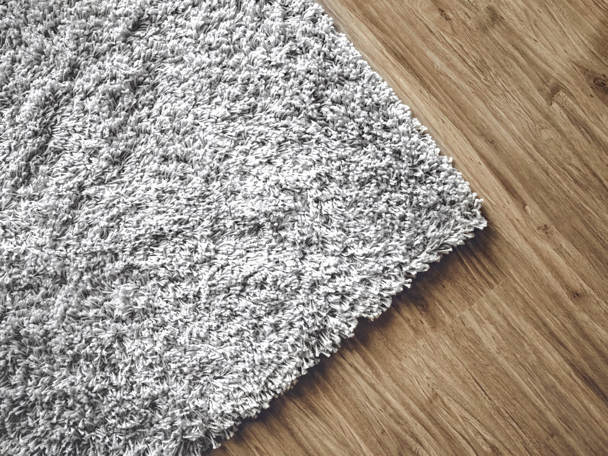 rug on hardwood floors